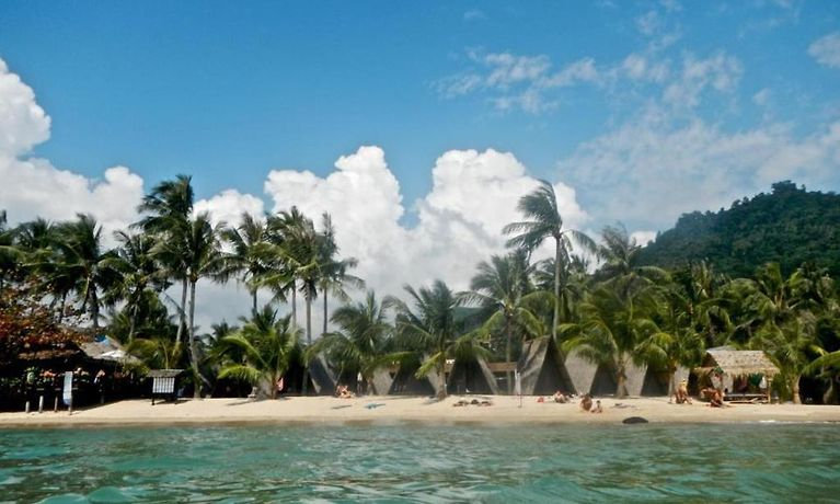 HOTEL NEW HUT BUNGALOW, LAMAI BEACH - Book Hotel Online